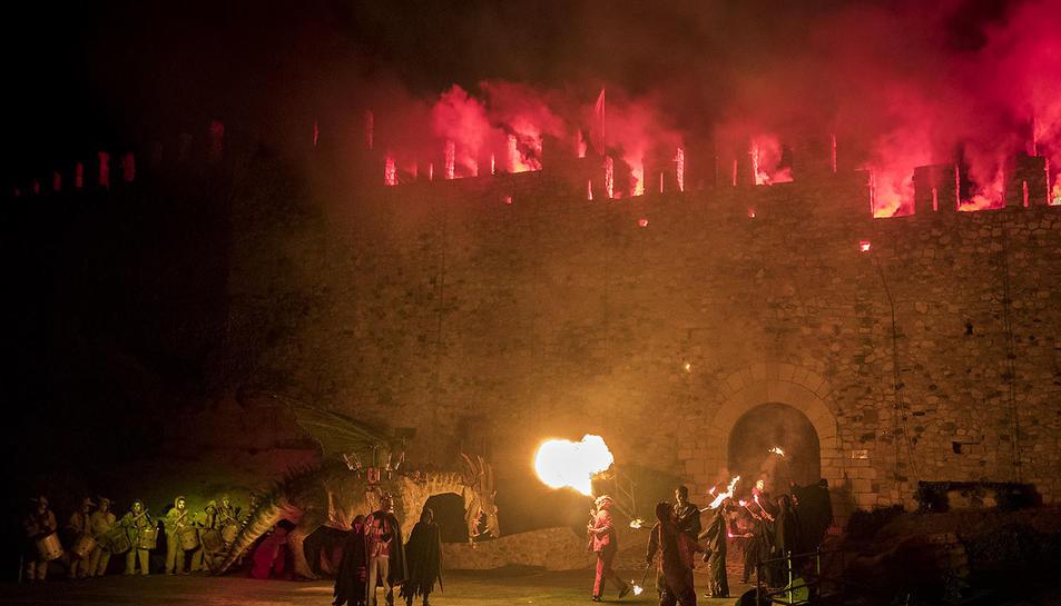 El nou drac de l'entitat es va estrenar a la representació de la Llegenda de Sant Jordi.