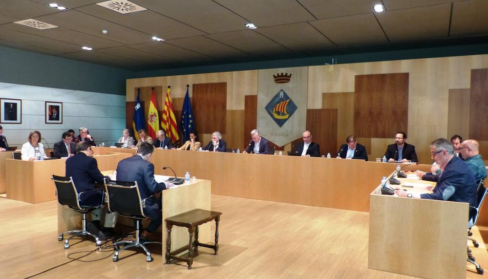 Imatge de la sessió plenària de l'Ajuntament de Salou celebrada ahir.
