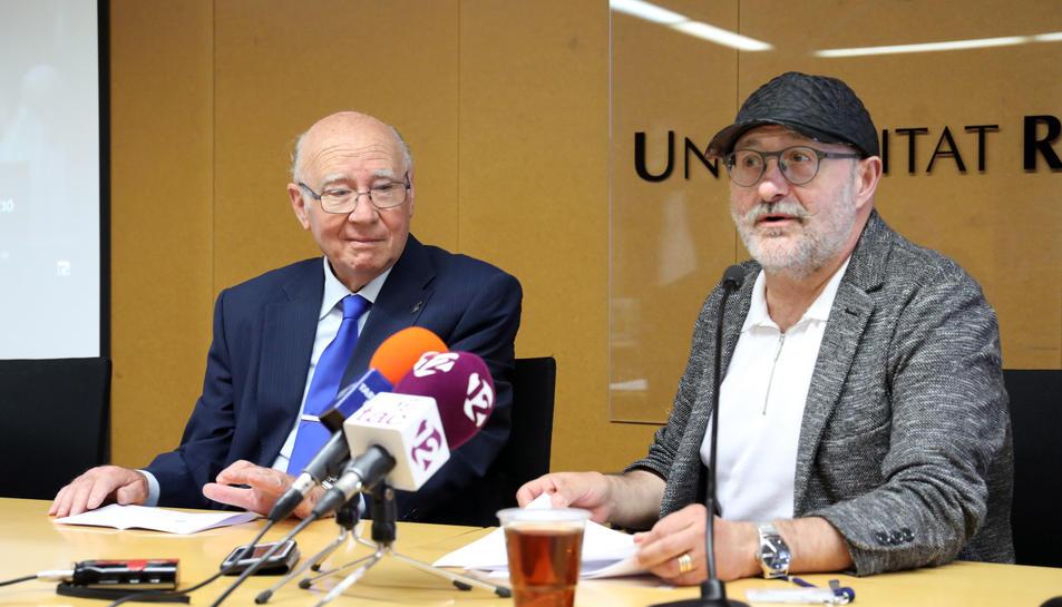 Josep Ferrer i José Carlos Suárez, a la roda de premsa on es va anunciar la cessió del fons.