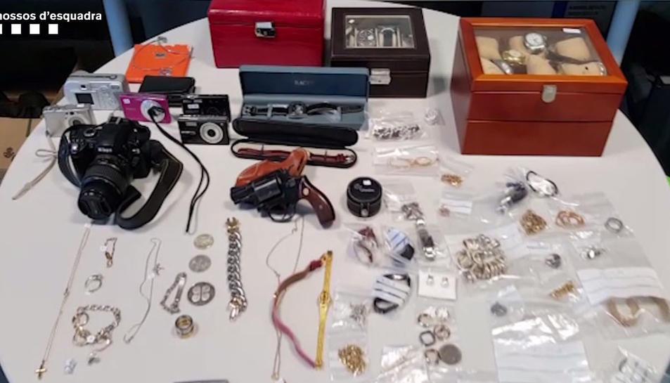 Diversos dels articles robats en els domicilis.