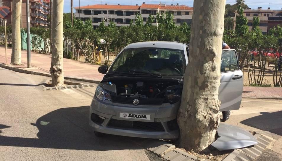 El vehicle trobat pels agents es trobava totalment obert però no hi havia cap persona al lloc del fets.