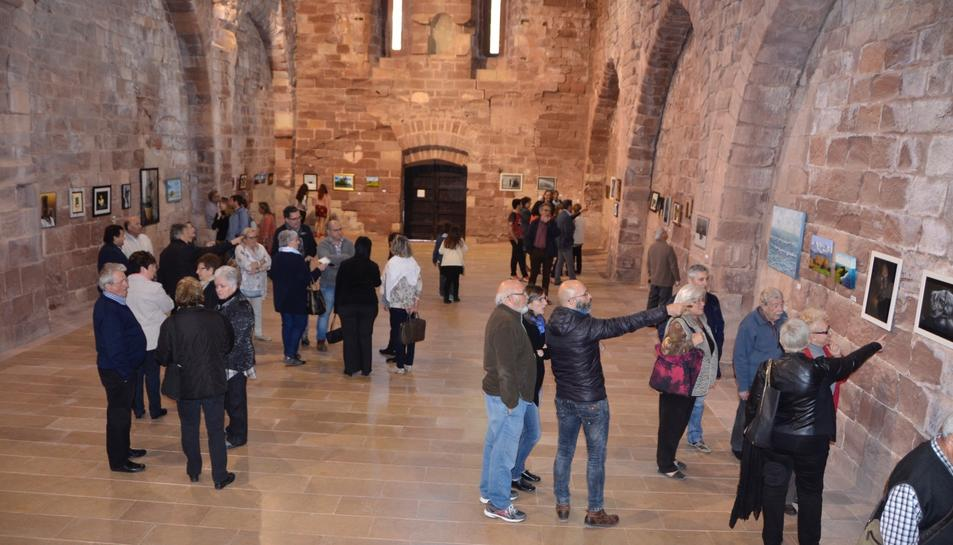 Molta gent ha assistit a la inauguració.
