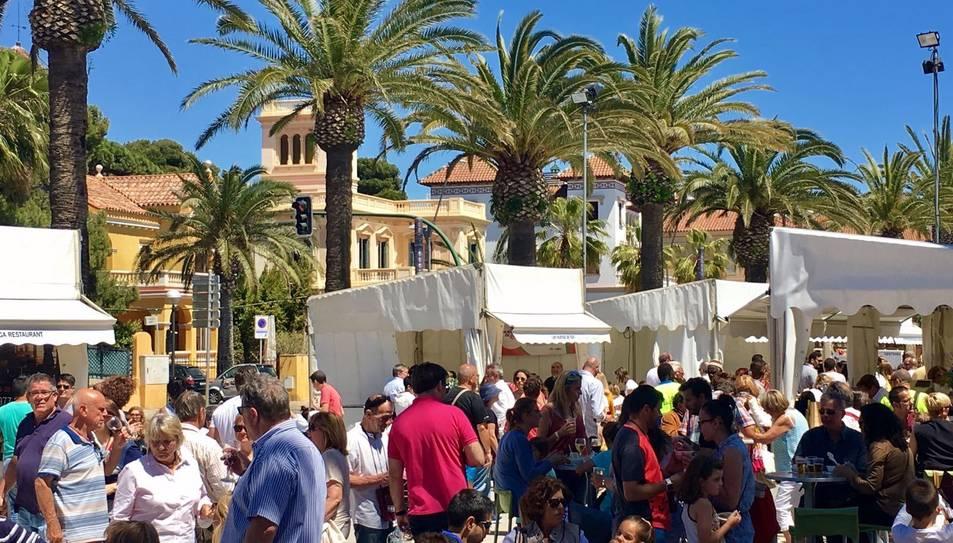 La fira ha comptat amb degustacions de tapes i vi, i amb tallers gastronòmics.