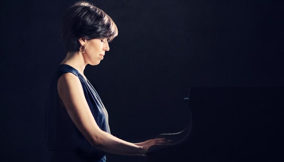 Fa 25 anys que la pianista va fer el seu debut amb orquestra.