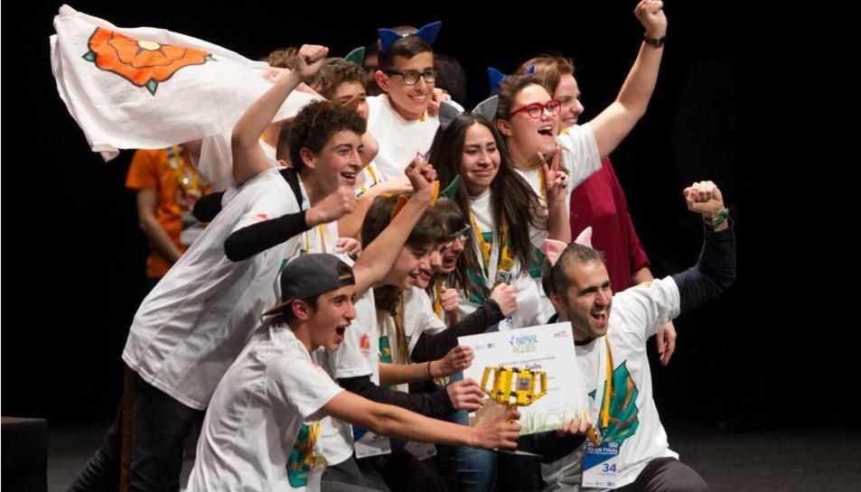 Els reusencs celebrant el premi a Logronyo que els permet de somniar amb anar al Regne Unit.