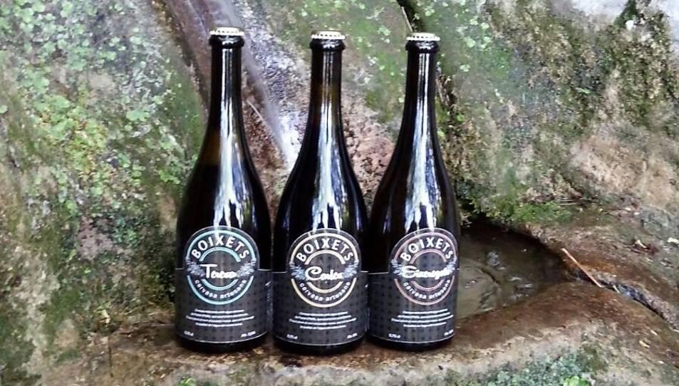 La cervesa es pot adquirir a alguns establiments de la comarca.