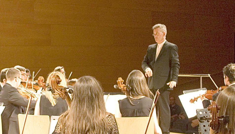 Fabregat és director de l'orquestra Händel del conservatori de Vila-seca.