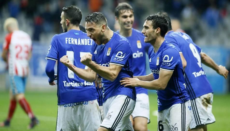 David Rocha celebra un gol amb la samarreta de l'Oviedo aquesta temporada.