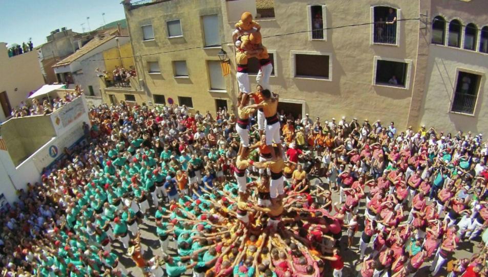 La colla espera, ara que ja forma part de la Coordinadora de Colles Castelleres de Catalunya, seguir creixent.