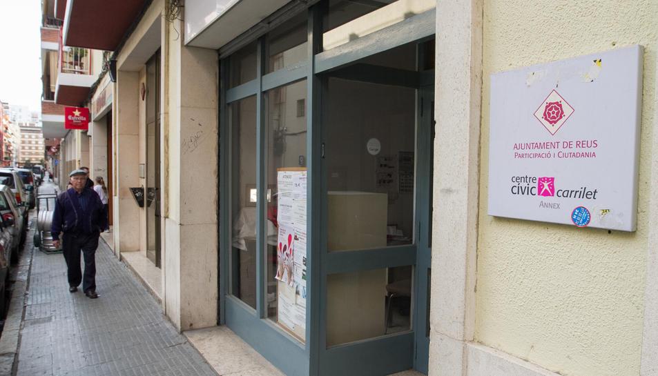 El local on es reunien les dues entitats, al carrer de Benidorm.