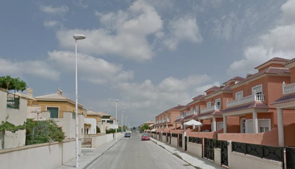 L'incendi va tenir lloc a un habitatge d'Almoradí, al País Valencià.
