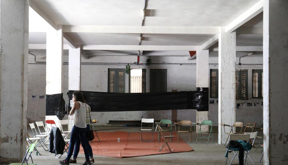 La planta baixa del mòdul 6 de la Tabacalera va acollir activitats durant el cap de setmana.