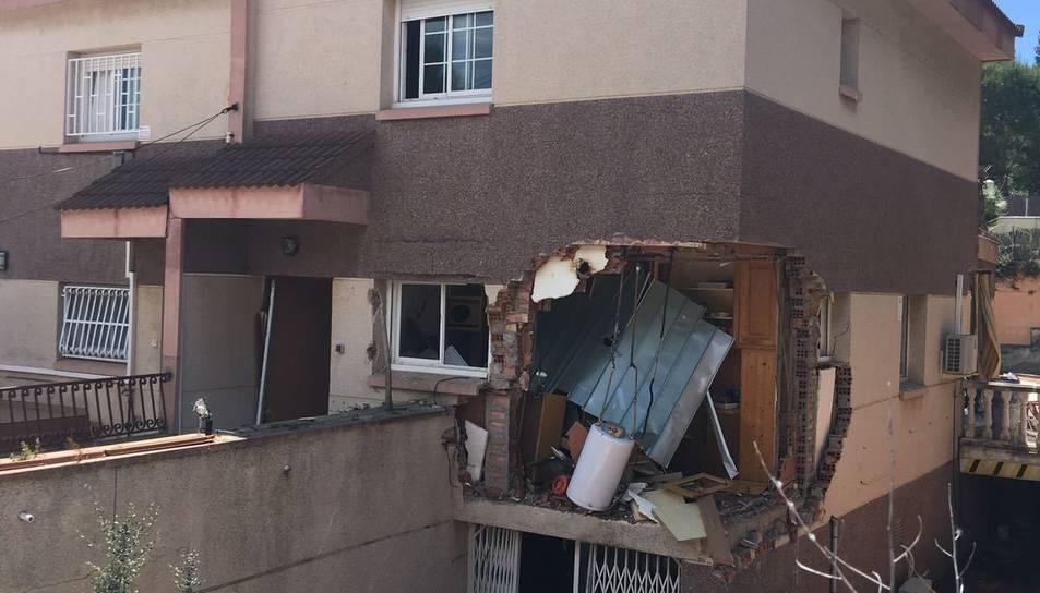 La part posterior de la casa ha quedat bastant derruida.