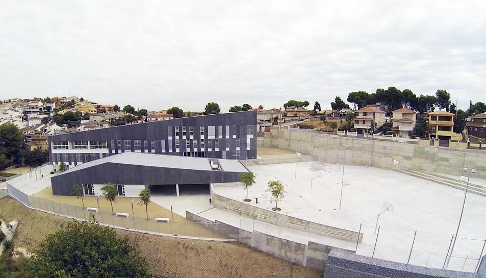 L'Institut La Talaia ha estrenat l'edifici definitiu aquest curs després de 9 anys en mòduls.