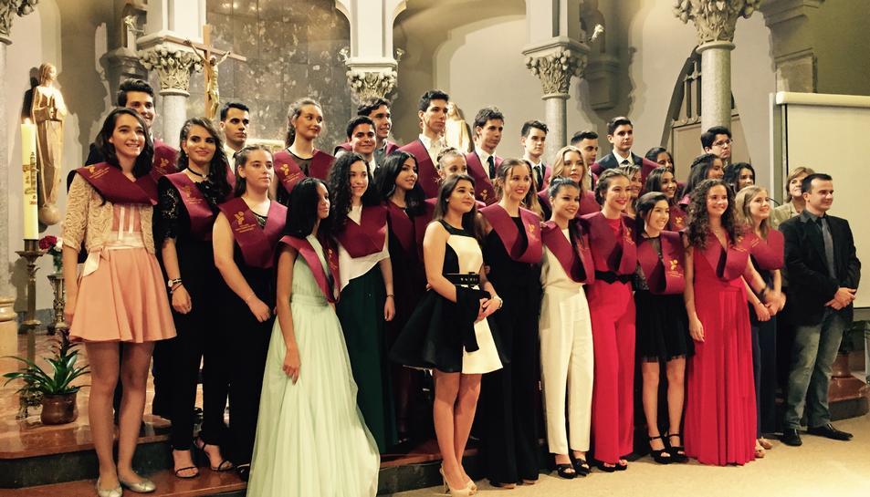 Imatge dels alumnes de Batxillerat de Les Teresianes durant l'acte de graduació.