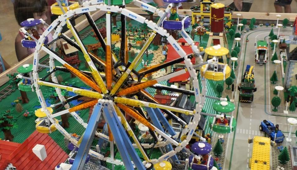 Imatge d'arxiu de la mostra de diorames i escenaris construïts amb peces de Lego.