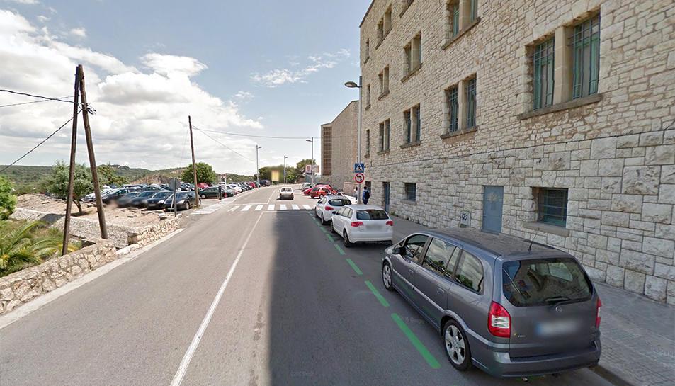 Els danys van afectar a nou vehicles estacionats a la zona.