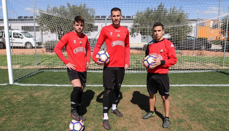 Fran Carbia, David Querol i David Haro van ser els tres primers en renovar com a roig-i-negres.
