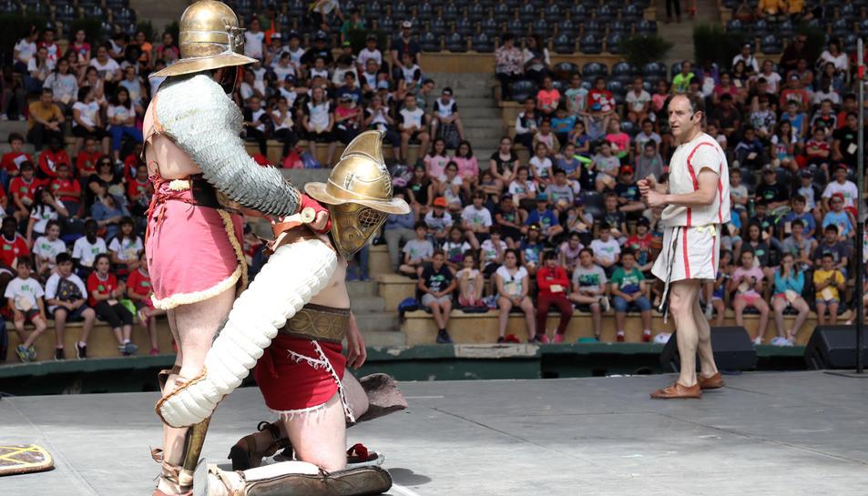 Els alumnes van conèixer la veritat sobre el món dels gladiadors, una vida molt allunyada de la que planteja la cinematografia.