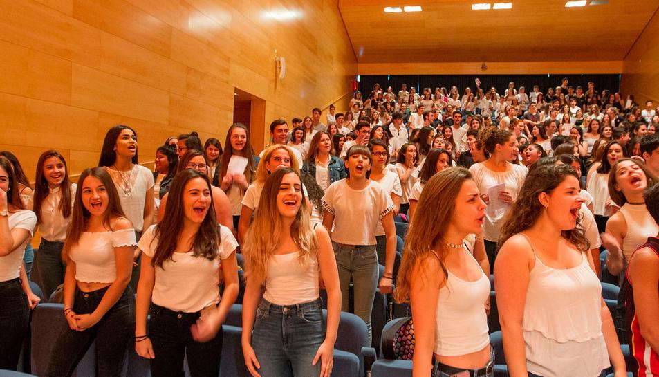 Tretze corals de centres de secundària del Camp de Tarragona han participat a la trobada que s'ha fet a l'auditori Josep Carreras de Vila-seca.