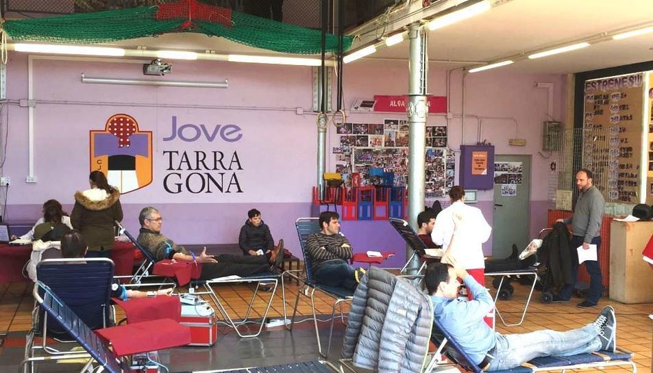 imatge d'una anterior campanya de donació de sang al local de la Jove.