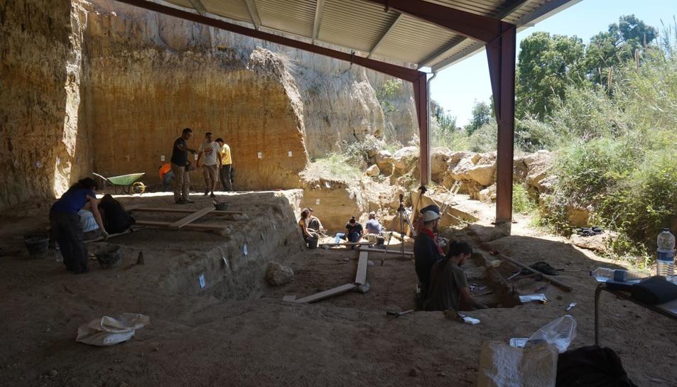 Vista dels treballs d'excavació a la Mina del Barranc de la Boella.