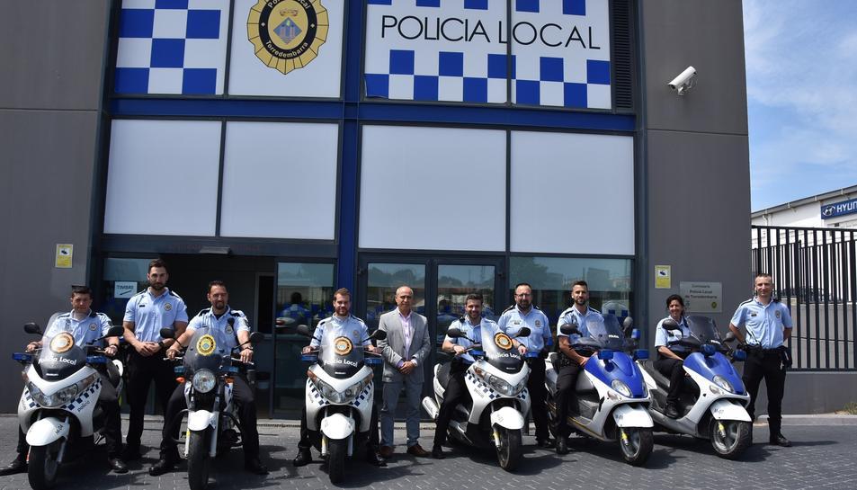Imatge dels nous agents que s'han incorporat a la Policia de Torredembarra.