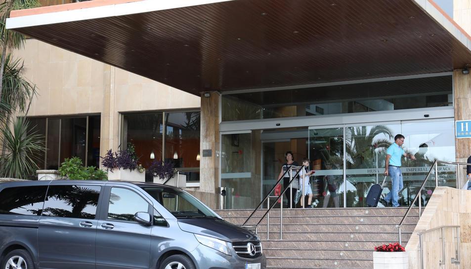 Una família d'Astúries van ser dels darrers clients que van deixar l'hotel el darrer dia d'Husa.