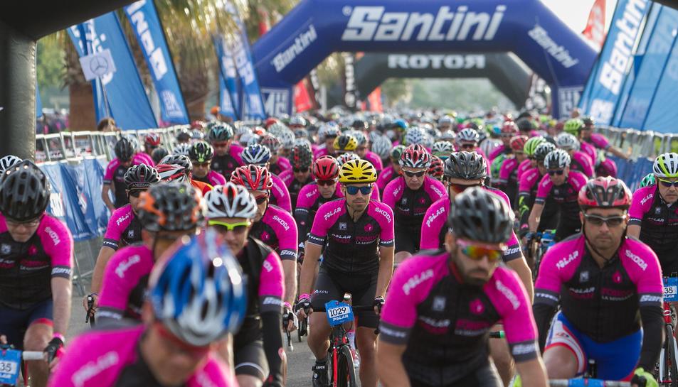 La salida de los ciclistas (2)