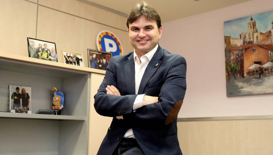 Josep Acero somriu al seu despatx, ubicat a l'edifici de l'OMAC a la Rambla Nova de la ciutat.