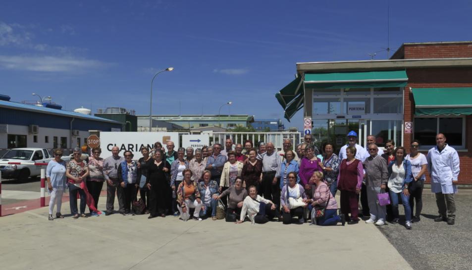 Imatge de la visita a les instal·lacions de la planta de la química a la Canonja.