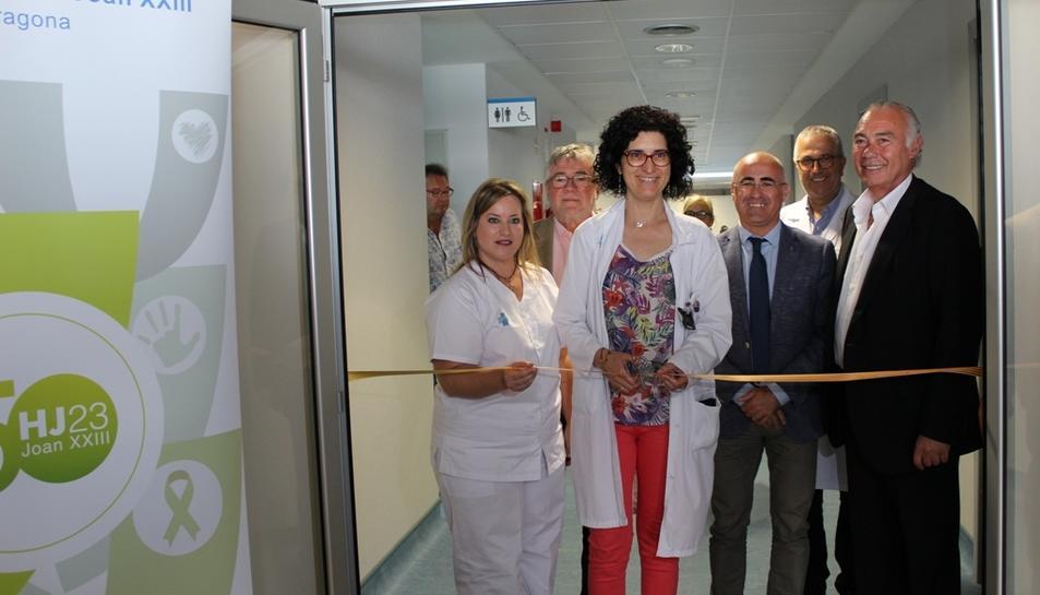 Imatge del moment de la inauguració del nou servei de rehabilitació i medicina física de l'Hospital Joan XXIII.