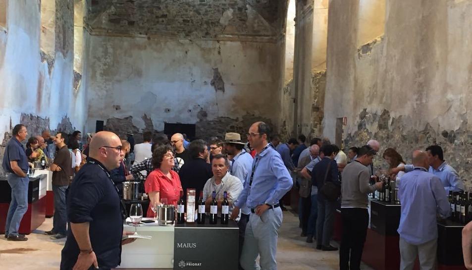 Els professionals convidats a Espai Priorat han pogut fer un tast dels principals vins de la DOQ.