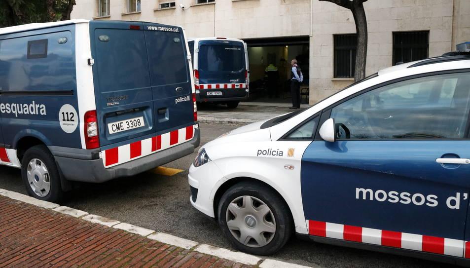 Vehicles dels Mossos d'Esquadra, en una imatge d'arxiu.
