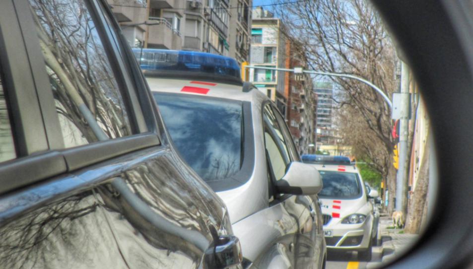 El cos policial recoma estar alerta i no cedir a pagaments en efectiu a persones desconegudes.