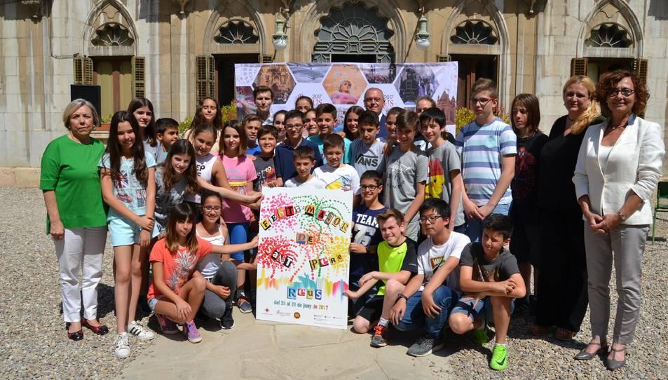 Els alumnes de l'Escola Maria Cortina han presenciat la presentació de Sant Pere 2017.