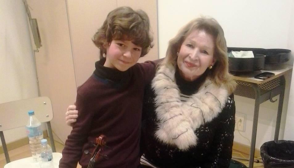 En Sasha amb la presidenta del jurat, Eva Graubin.