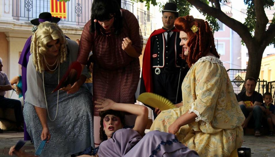 Imatge d'una edició anterior de les representacions del Ball de Vells per Sant Joan.