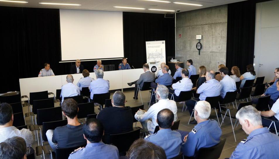 Pla general de l'acte de presentació del nou cap de la Regió d'Emergències de Tarragona, Albert Ventosa, als comandaments de Bombers, a l'edifici 112 de Reus. Imatge de l'1 de juny del 2017