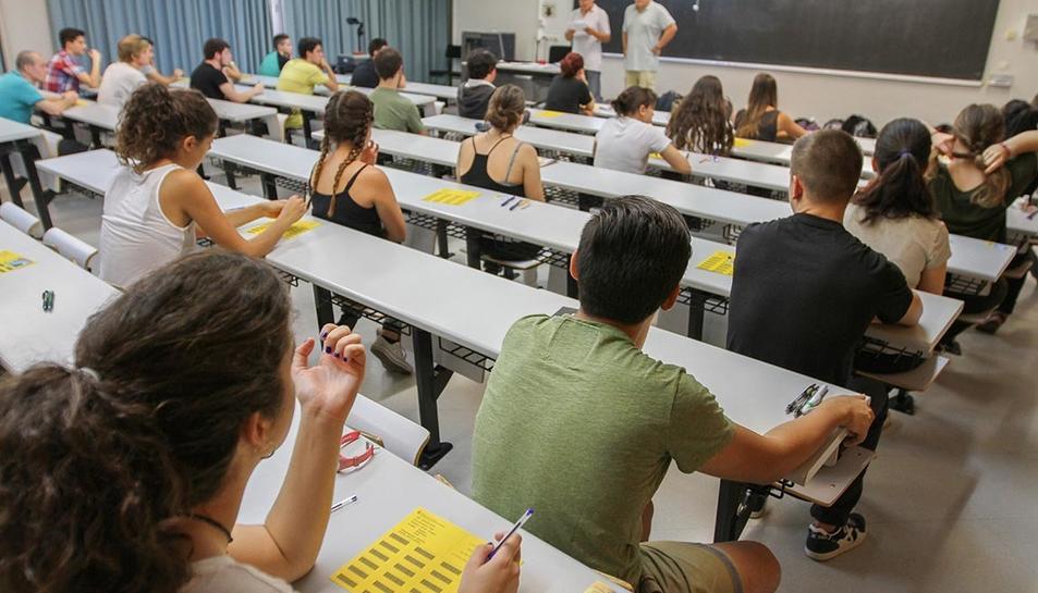 Imatge d'arxiu d'unes proves de selectivitat ceelebrades al Campus Catalunya de la URV.