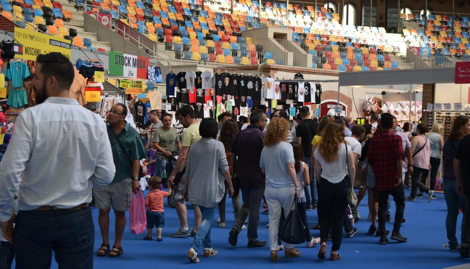 Segona edició del Radical Market, la fira dels descomptes, a la Tarraco Arena Plaça.