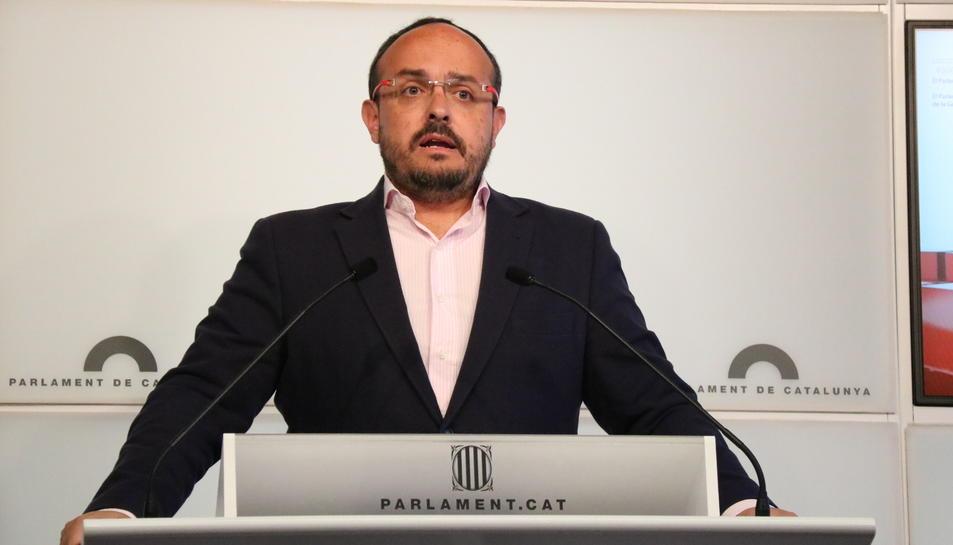 Alejandro Fernández en una intervenció al Parlament.