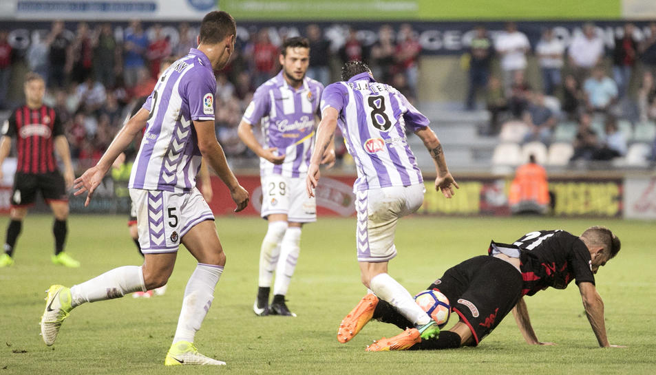 El CF Reus brinda a l'afició una última victòria a l'Estadi contra el Valladolid