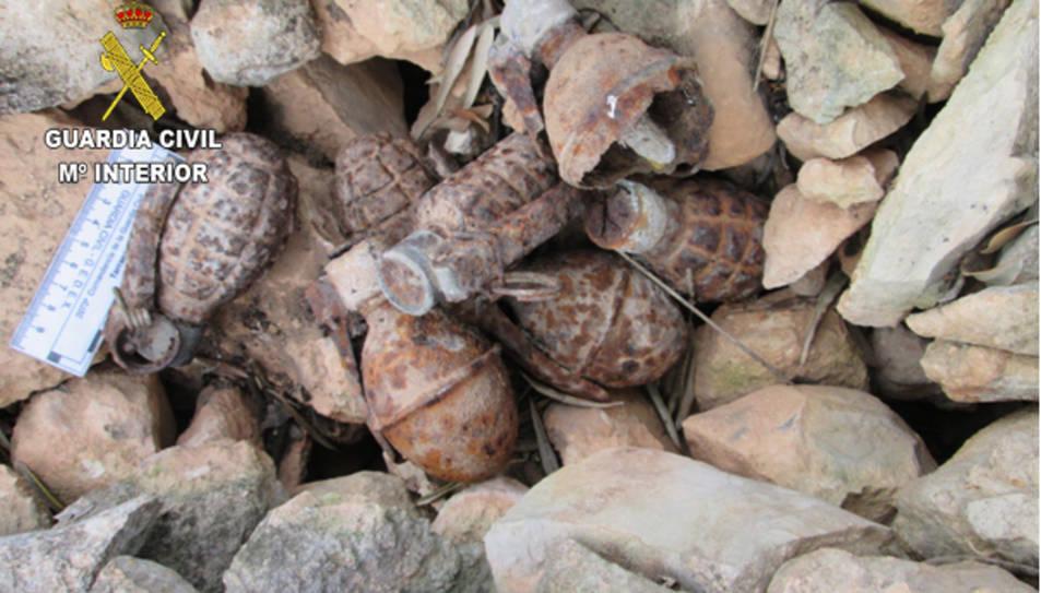 Les granades de mà van ser trobades a la parcel·la d'una veïna de Tivissa.