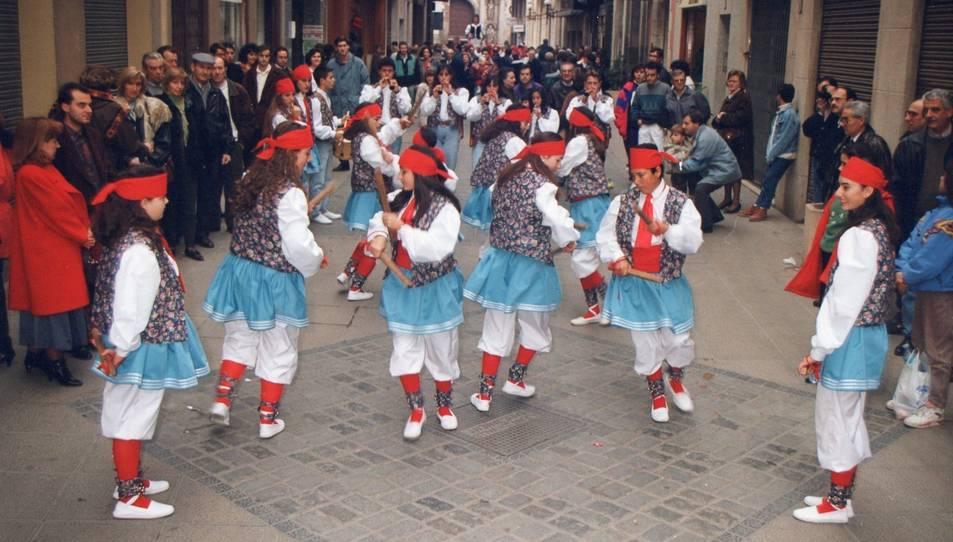Els Bastoners de Valls en una fotografia del 1993.