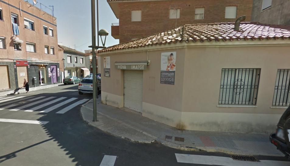 El robatori es va produir en un centre d'estètica de Torreforta que actualment no es troba en funcionament.