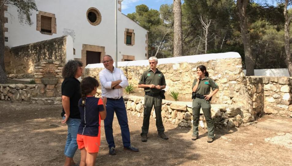 Els Agents Rurals van visitar l'Ermita per observar l'evolució de les òlibes a l'indret.