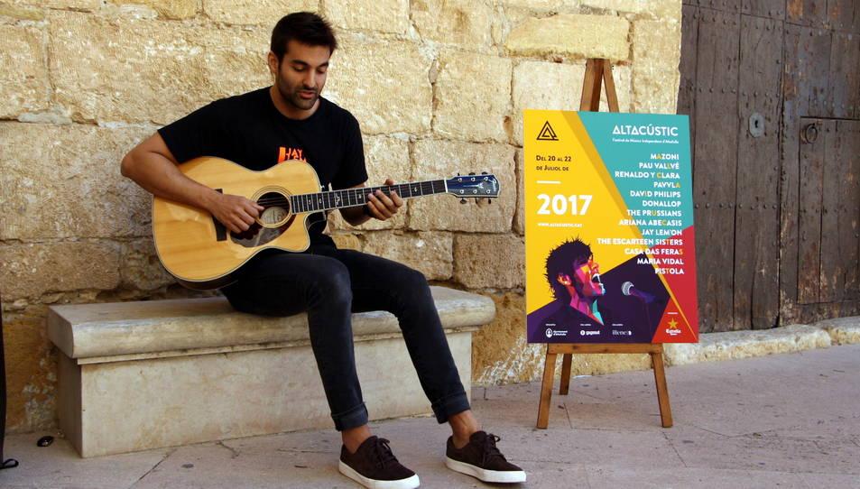 Jay Lem'on, que actuarà al festival, ha mostrat un tast de la seva música durant la presentació de l'esdeveniment.