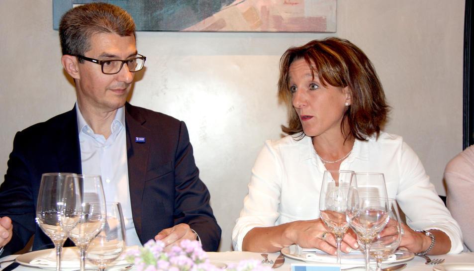 Carles Navarro, director general de BASF Espanya i Anne Berg, directora dels centres de producció a l'Estat.