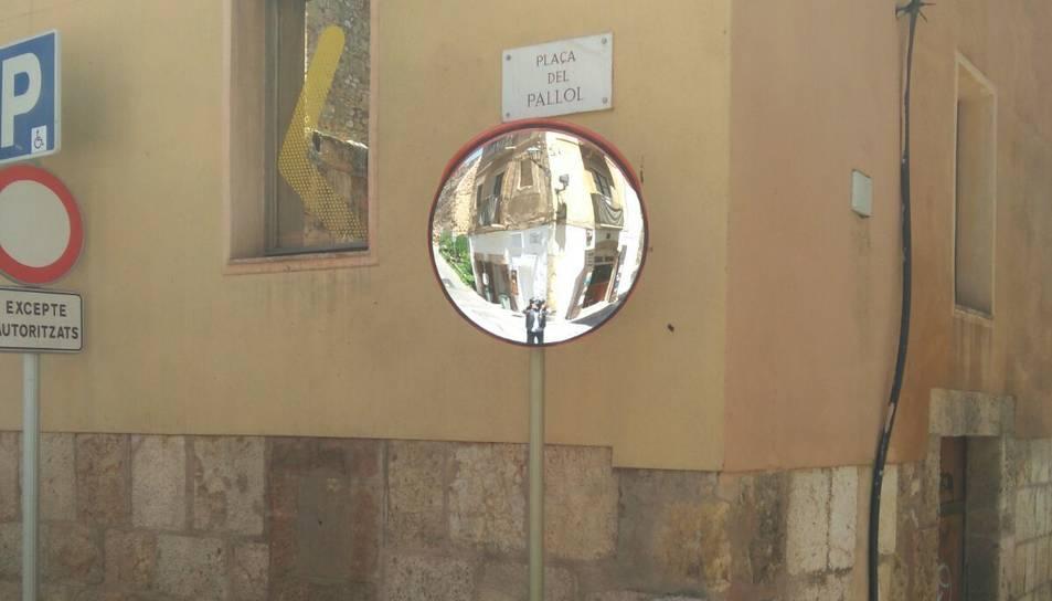 El mirall es troba a l'encreuament des d'aquest mateix dimecres.